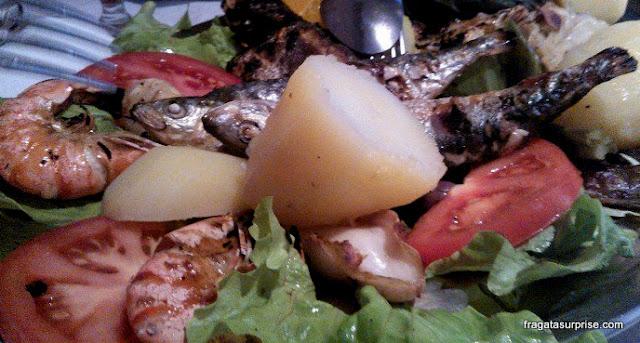 Sardinhas assadas, prato típico de Portugal