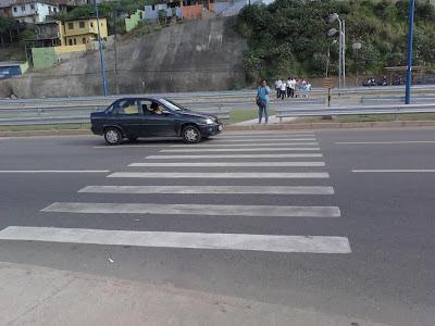 Resultado de imagem para faixas de pedestres em salvador