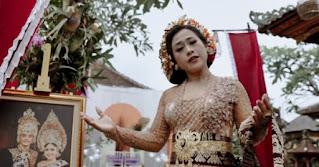 Lirik Lagu Bali Tusing Jodoh Tiang - Tri Puspa