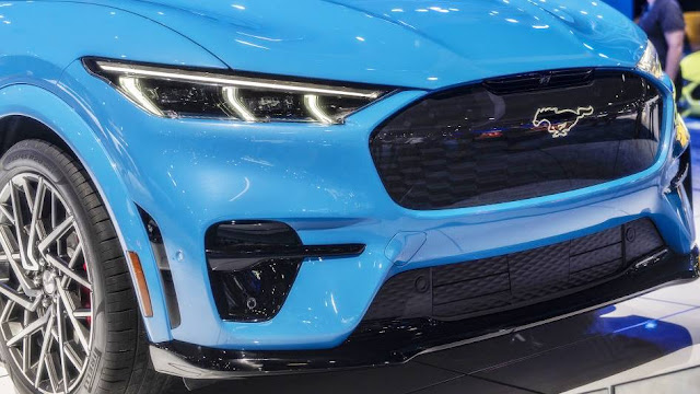 2021 Ford Mustang Mach-E AWD and Extended-Range Battery Pack