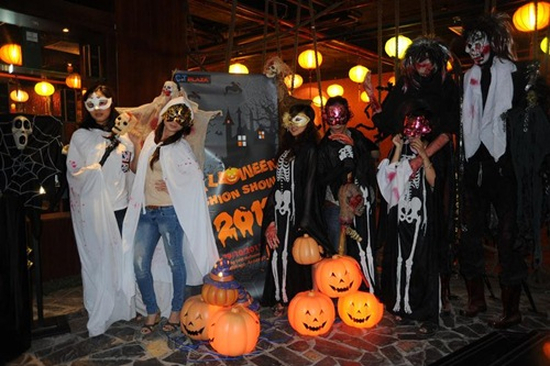 tổ chức Halloween