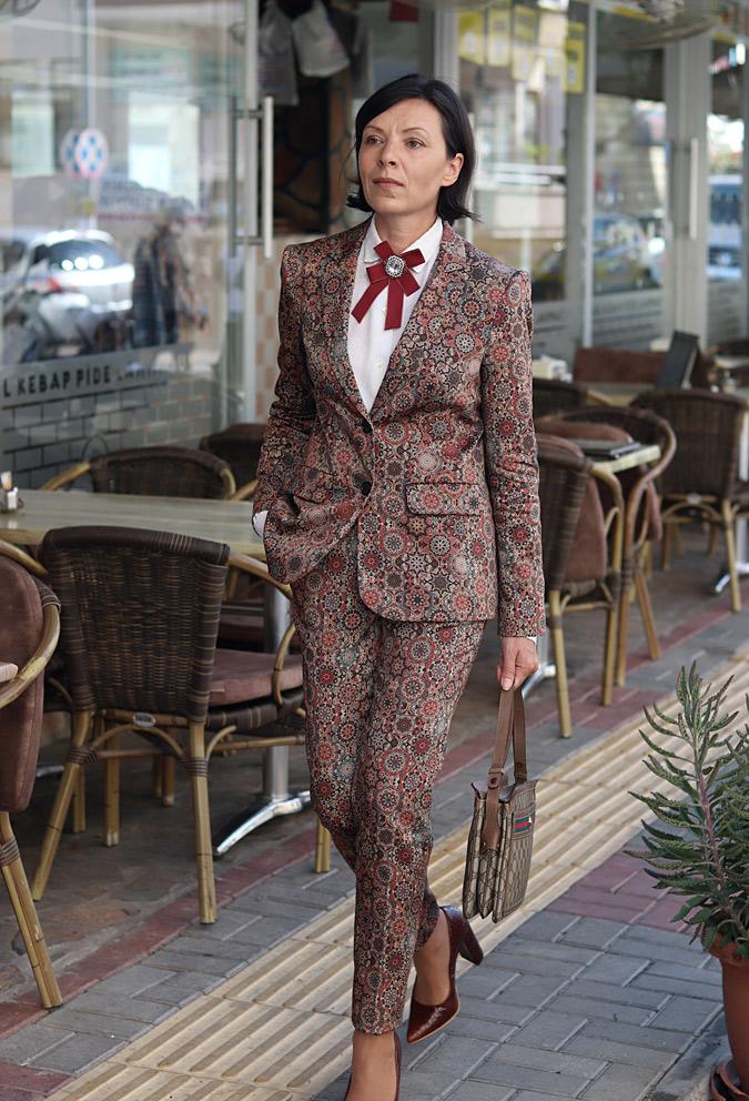 Wzorzysty garnitur damski