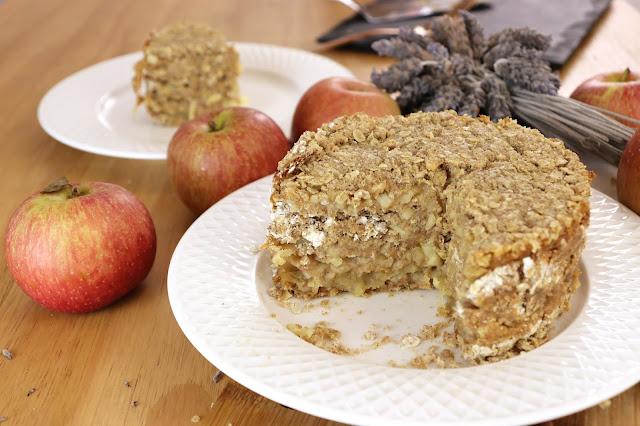 Bolo de maçã só maçã e aveia! Bolo de maçã fit, bolo de maçã vegano, bolo de maçã sem glúten