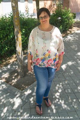 Blusa-Poncho De Flores De SheIn