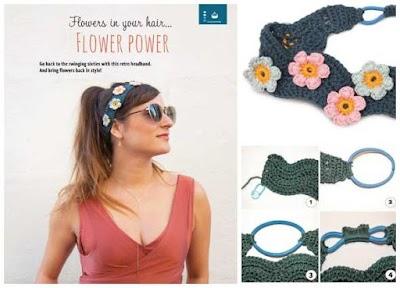 Diadema ondulada con motivos florales a crochet