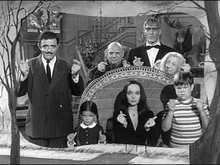 Series De Television Tv Series Comicas Clasicas Para Todo Publico Los Locos Addams