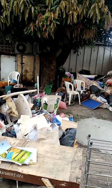 LASU College Of Medicine Management Throws Out Students' Belongings From Hostels