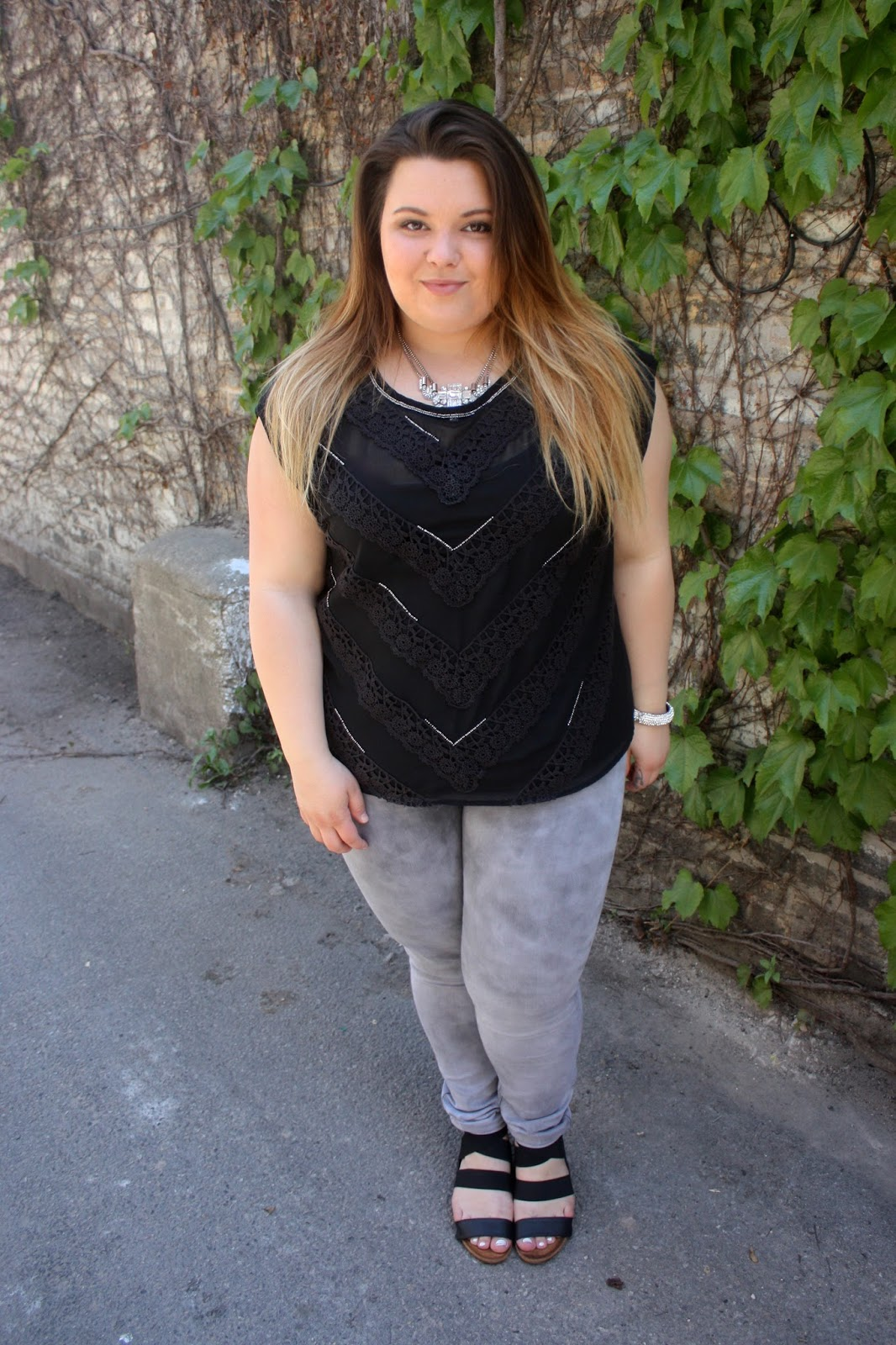 Natalie craig, natalie in the city, plus size fashion blogger, fashion blogger, chicago, ps fashion, plus size, curvy, forever 21 plus, curvy and confident, gray denim, denim trends, summer fashion