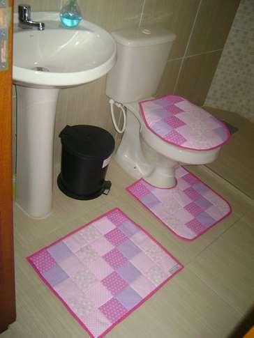 Jogo de banheiro feito com retalhos combinados