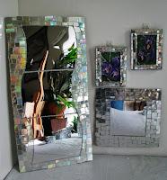 http://pomyslyplastyczne.blogspot.com/2016/04/ramki-z-lustrzanej-mozaiki.html