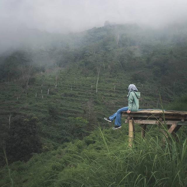 Bukit Alas Bandawasa Cigombong