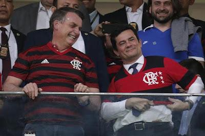 Bolsonaro e Moro com camisa do Flamengo