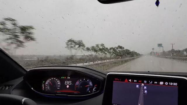 cairan kaca anti hujan