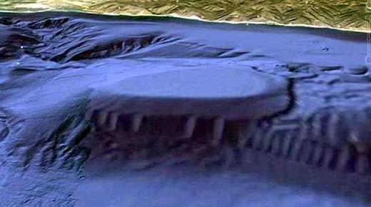 Inusual mega estructura submarina hallada frente a la costa de California: ¿Una formación natural o una base secreta alienígena?