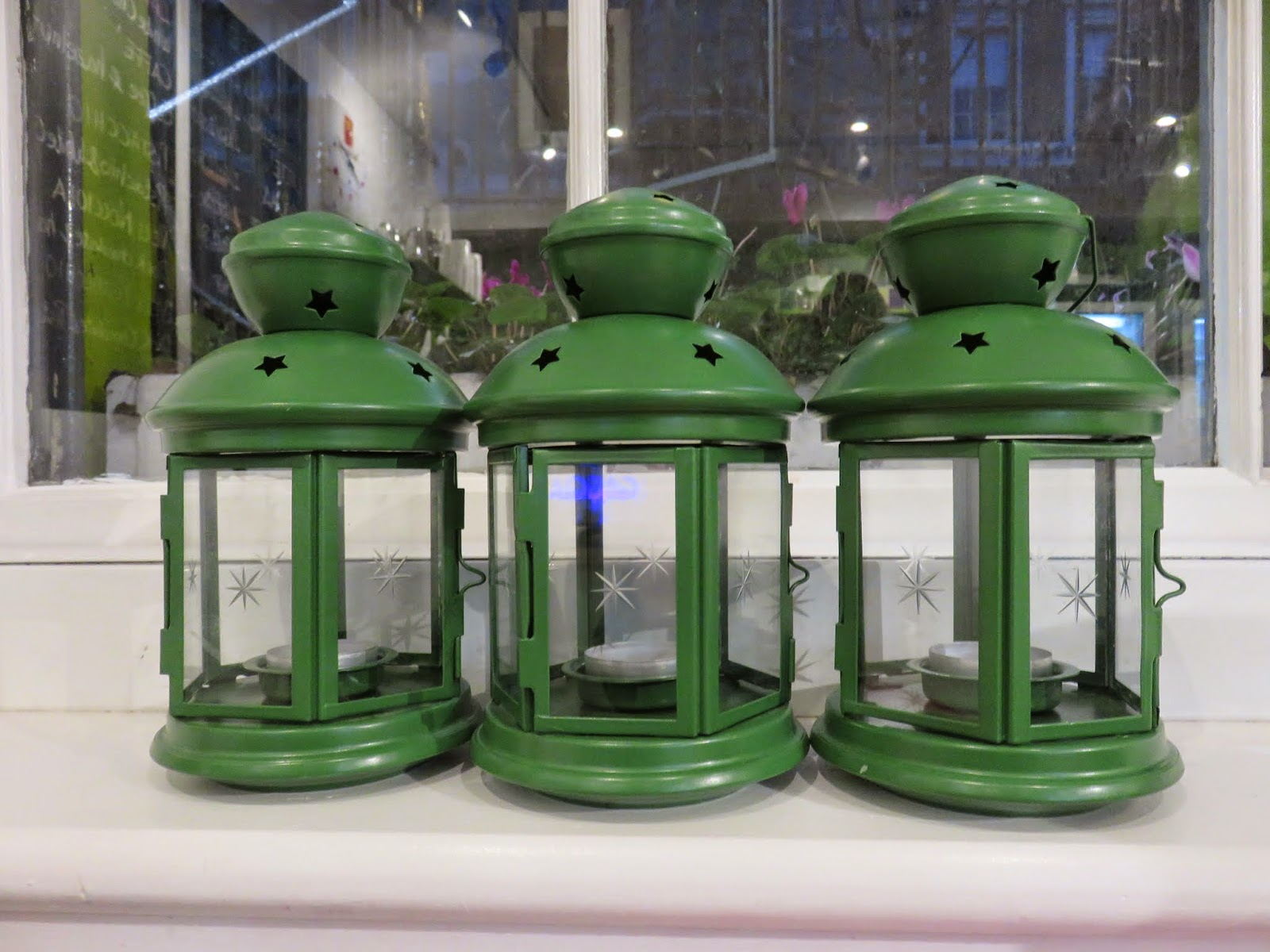 Green lanterns at Sweet Sicily in Dublin