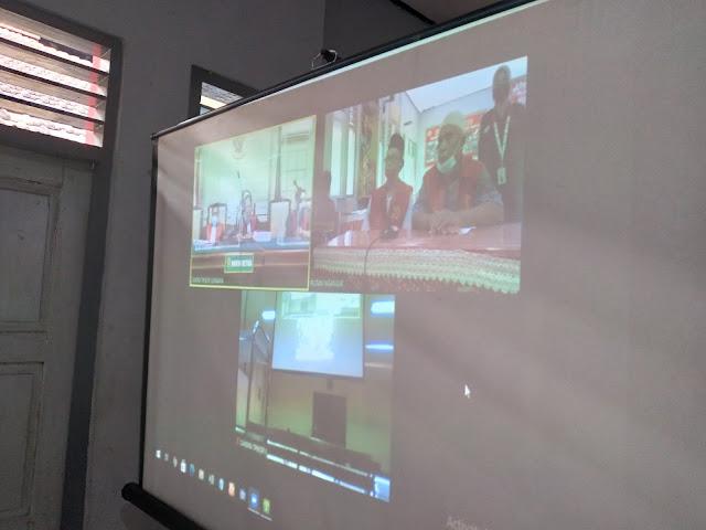 Caption: Tangkapan layar sidang virtual dengan agenda pemeriksaan terdakwa Sutrisno dan Rudi, Kamis (10/6/2021). Foto: Tim Penerangan Kejari Nganjuk.