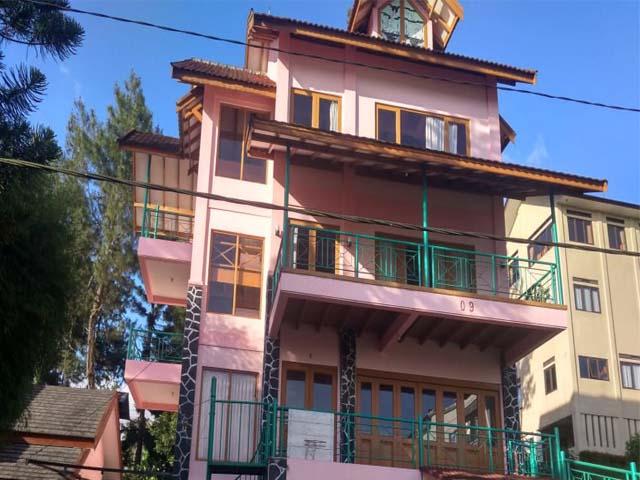 Villa Besar Di Lembang Fasilitas Kolam Renang