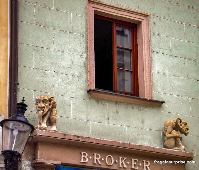 Fachada histórica em Bratislava, Eslováquia