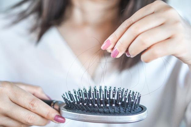 Alasan Kamu Harus Pakai Shampoo Untuk Kulit Kepala Gatal dan Rambut Rontok