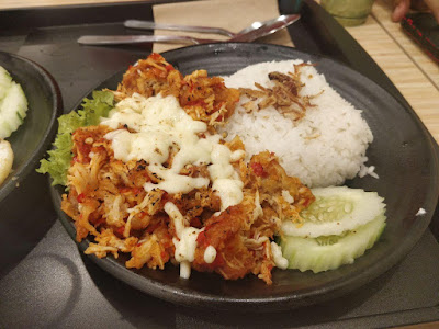 Cafe Kotak Malaysia Saji Makanan Indonesia dan Sangat Pedas