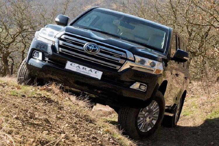 Cận cảnh 'pháo đài di động', bọc thép Toyota Land Cruiser