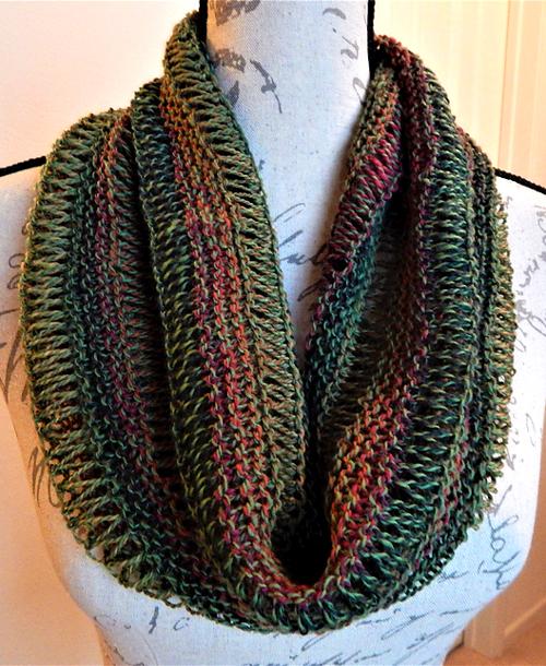 Drop Stitch Cowl - Free Knitting Pattern