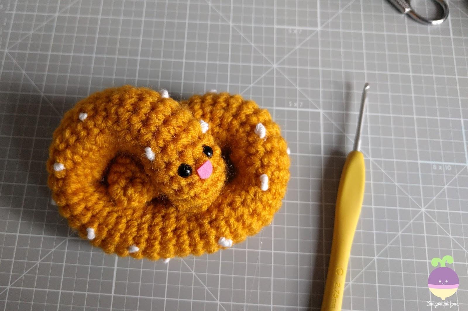 Amigurumi Crochet Food Patterns : Amigurumi Food: Pretzel Amigurumi Food Free Crochet Pattern