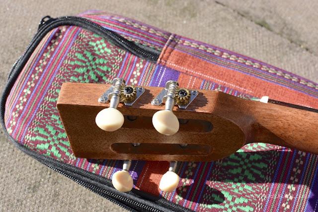 Ohana BK-70 Baritone ukulele tuners