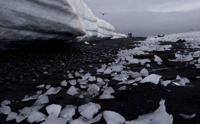 Επιστήμονες ζητούν τον βομβαρδισμό της Ανταρκτικής με τεχνητό χιόνι