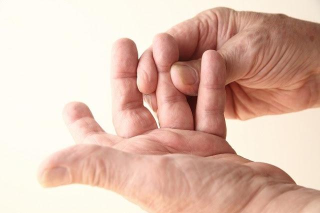 Cara Mengobati Jari Tangan Kaku dan Kesemutan