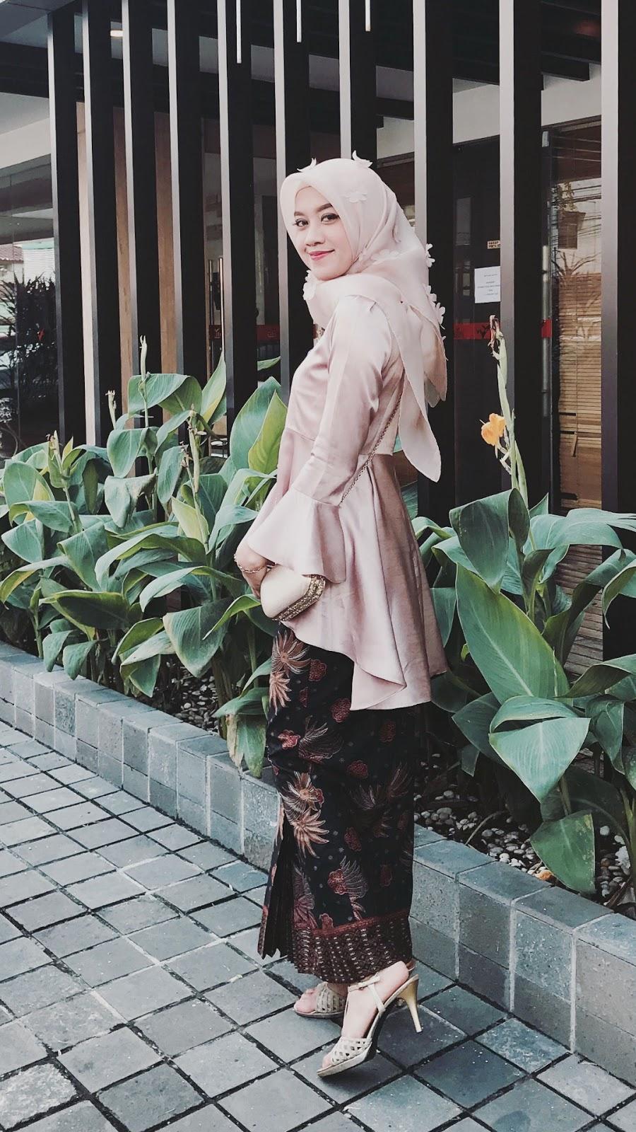 wallpaper muslimah cantik hijab cewek mansi dan cantik