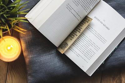 gambar pembatas buku