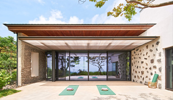Innisfree, Airbnb, green tea farms in Jeju Island, South Korean, Jeju Island, Dolsongyi tea farm, Seogwang tea farm, tea, green tea, tea ceremony , skincare products, overnight stay, yoga class, yoga mats