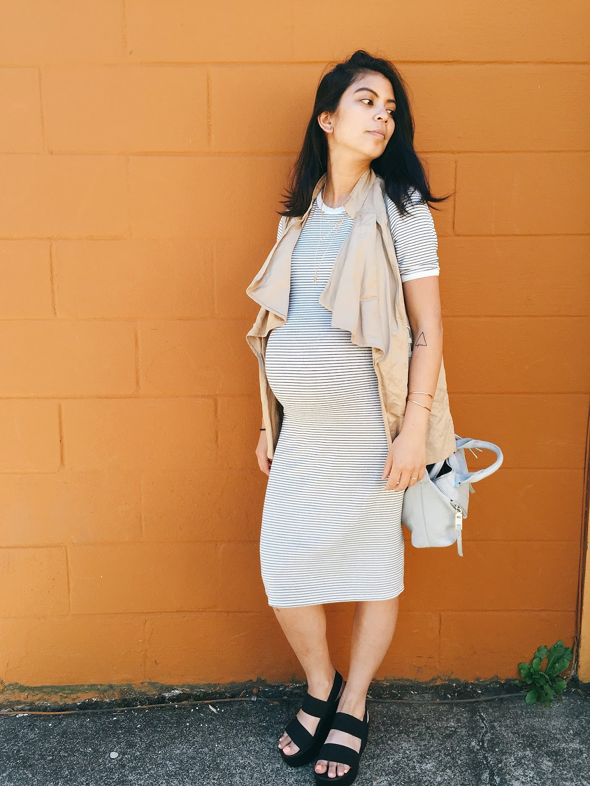 fashion blogger, portland fashion blogger, white dress, pink sunglasses, gray bag, nude sandals, summer look food, thrifted finds, shop spanky's consignment store, portland style