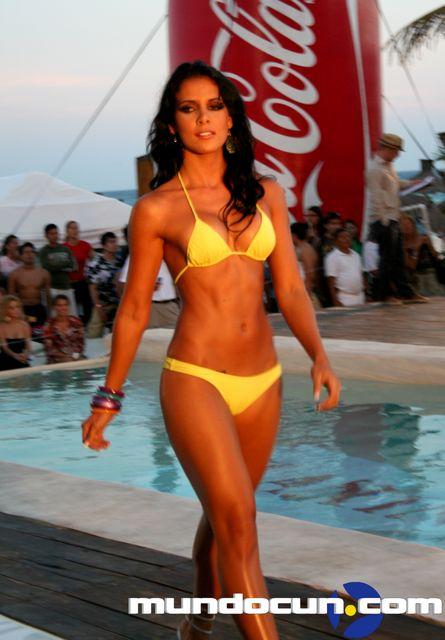 Sexy modelo en casting mostrando vestido sexy black - 2 part 8