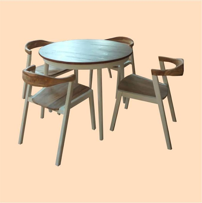 Meja Bundar dan Kursi