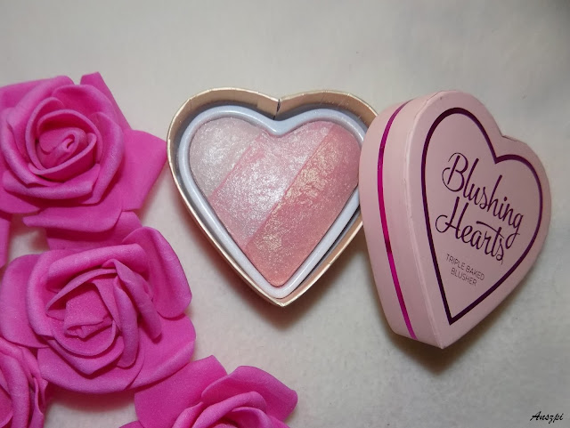 Róż do policzków Blushing Hearts Iced Hearts, Makeup Revolution