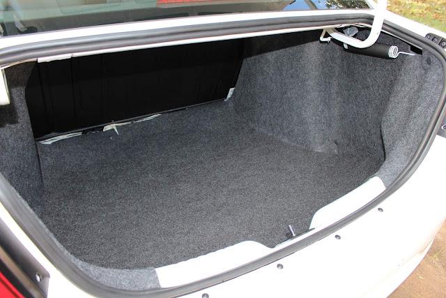 Novo VW Voyage 2019  - porta-malas de 480 litros