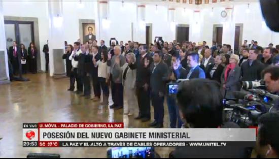 Once profesionales y exlegisladores juraron ante Añez / CAPTURA UNITEL