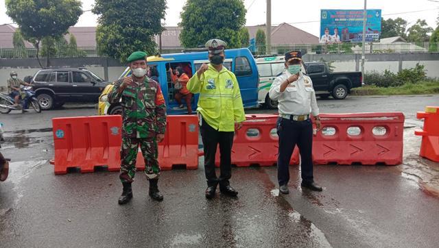 Ops Penyekatan PPKM Level lll Diwilayah Pematang Siantar Dilakukan Personel Jajaran Kodim 0207/Simalungun