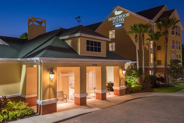 Discover your Florida home away from home at Homewood Suites by Hilton Orlando – UCF Area, a great hotel near UCF. Renovated in May 2017, this hotel sits in a relaxed neighborhood minutes from the University of Central Florida and only 30 minutes from Orlando International (MCO) Airport and the theme parks of International Drive.