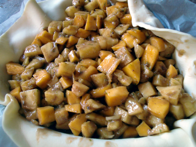 pineapple and mango chunks in the piecrust