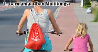 Souvenir Yang Bermanfaat Dan Multifungsi merupakan keunggulan menggunakan tas serut sebagai souvenir dan barang promosi
