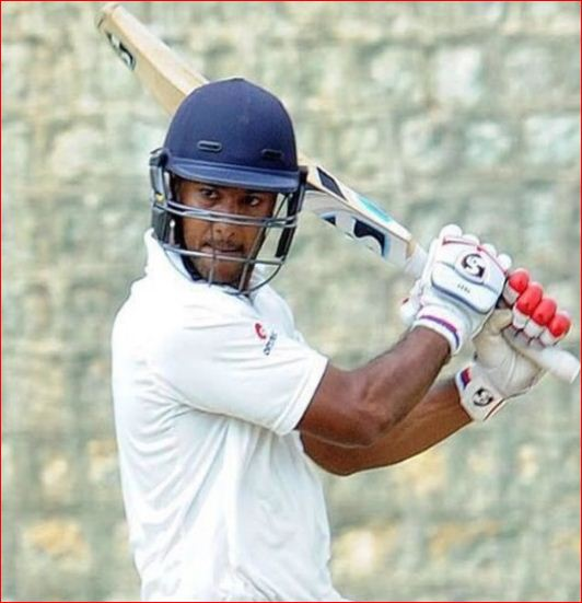 mayank agarwal batting style
