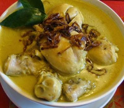 Resep Opor Ayam Bumbu Kuning Yang Gurih, Enak, Dan Sederhana