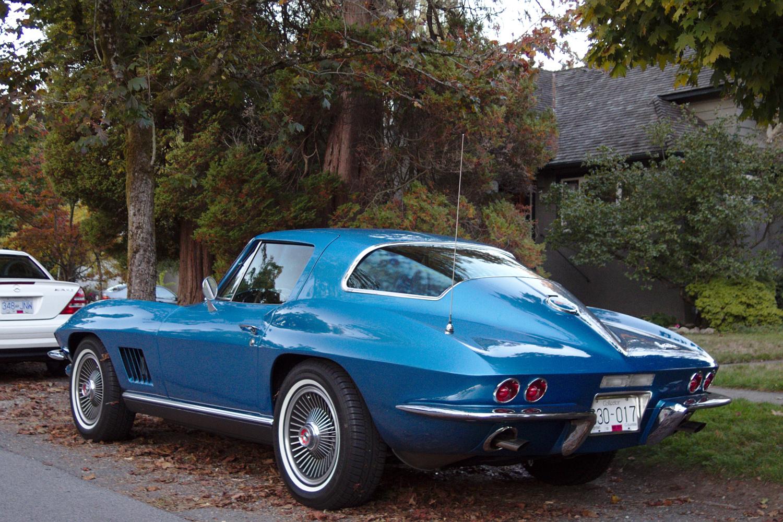 old parked cars vancouver 1967 chevrolet corvette stingray. Black Bedroom Furniture Sets. Home Design Ideas