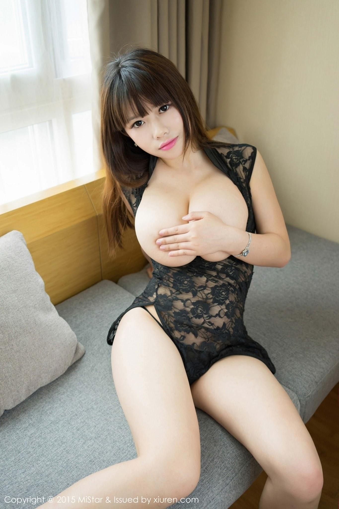sexy young boobs
