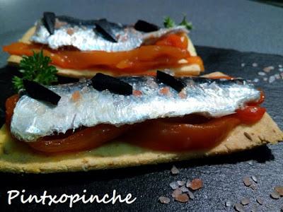 tosta de sardina confitada