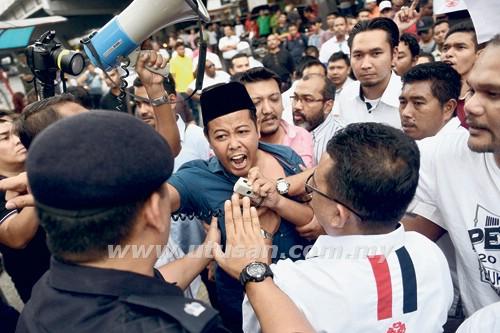 Pemuda UMNO Wilayah Persekutuan Akan Hantar Memorandum Kepada DAP Petang Ini !