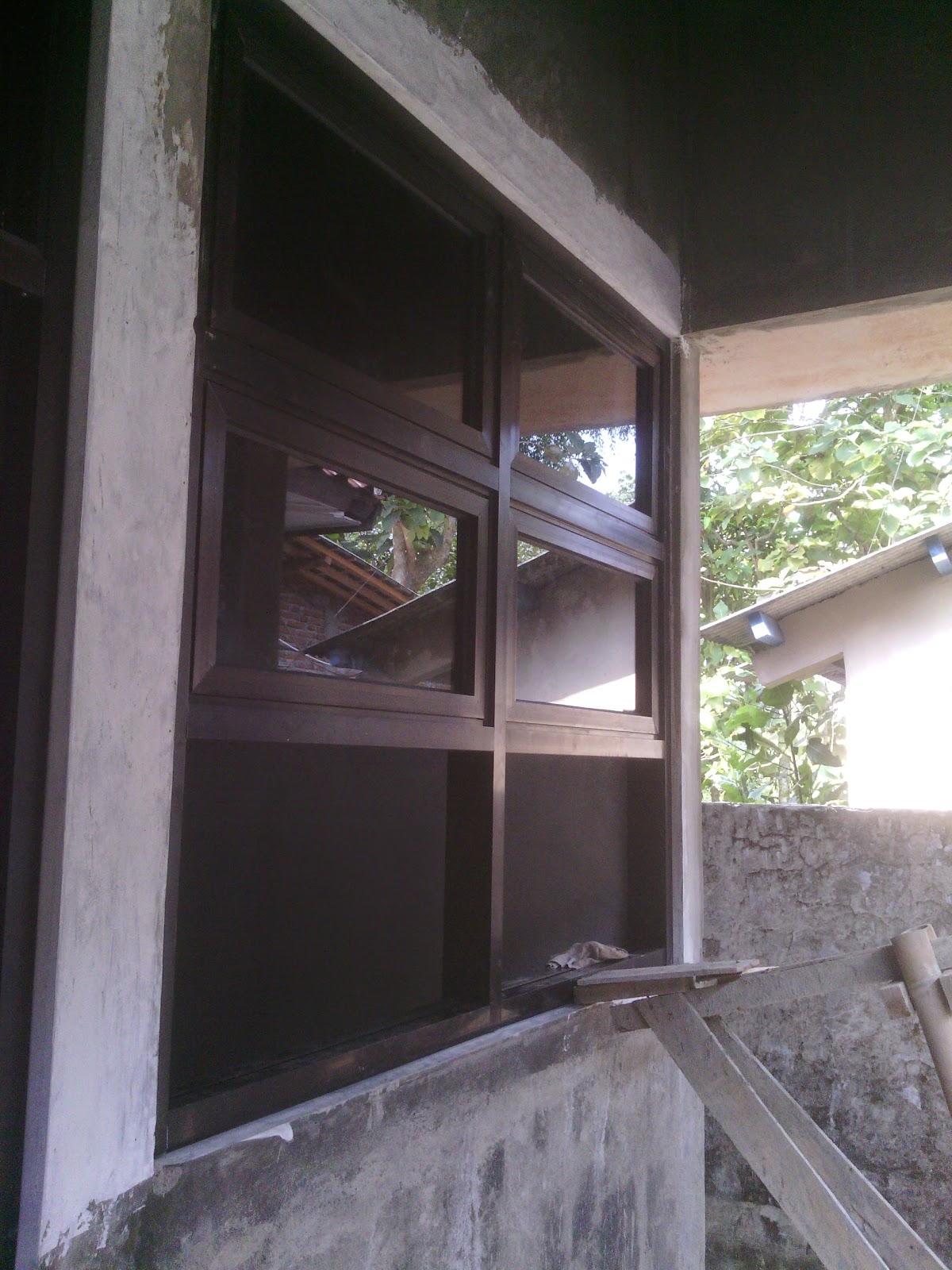 Jendela Aluminium Coklat